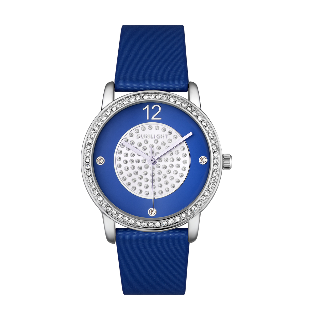 Женские часы с кристаллами на сатиновом ремне