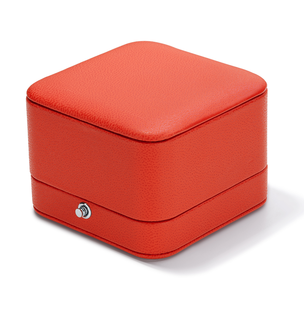 Коробка с кнопкой под серьги и  подвески