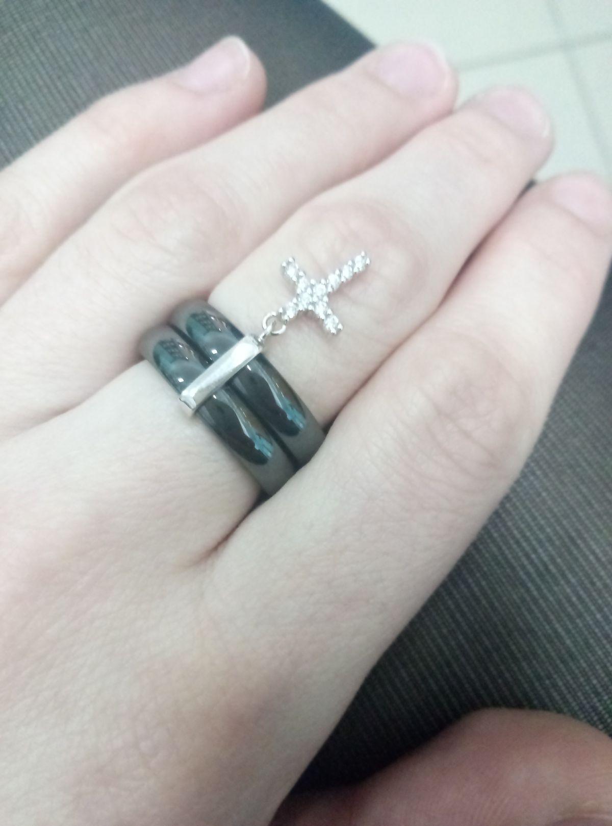 Невероятное, керамическое кольцо
