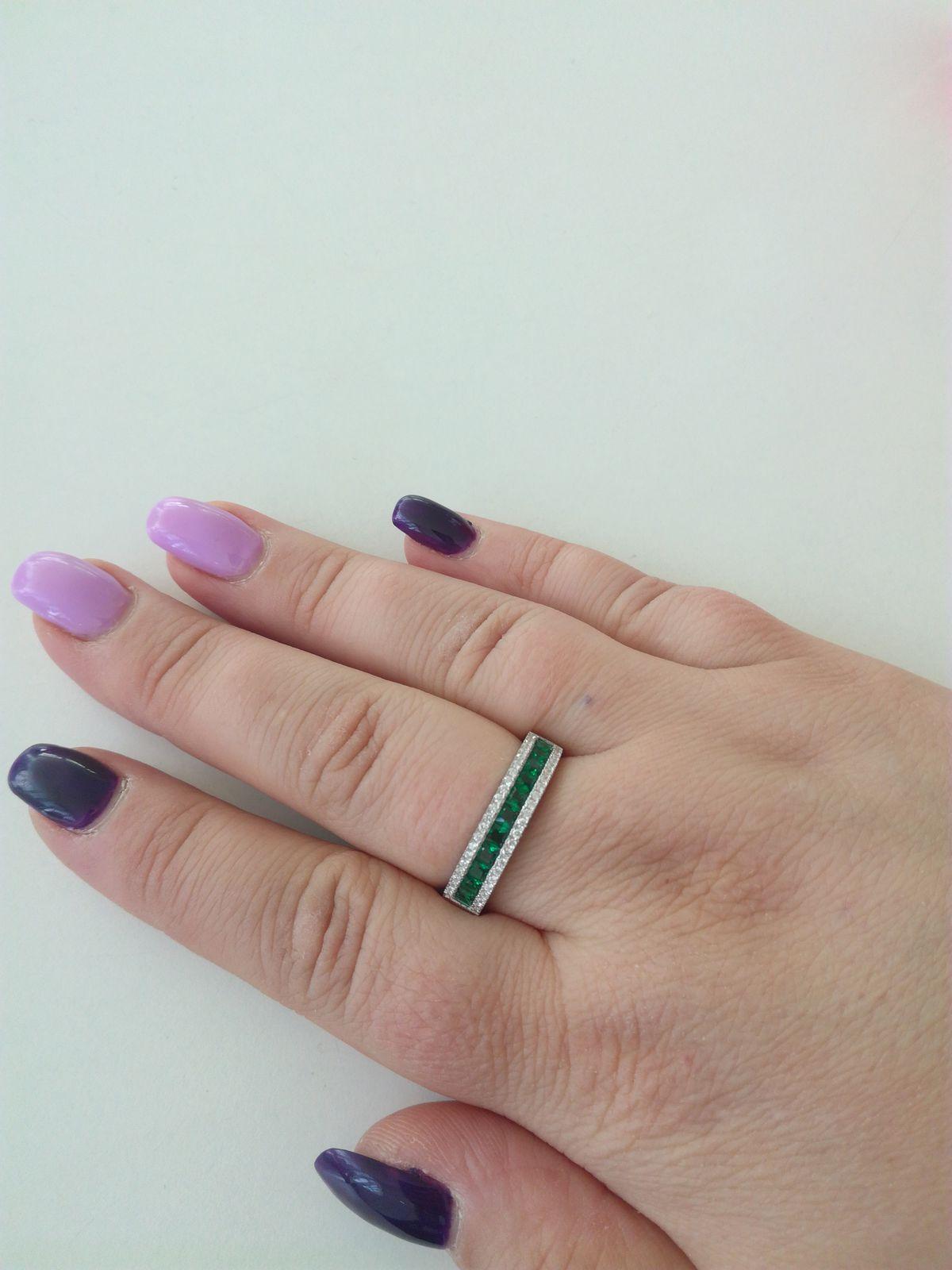 Получила сегодня кольцо,оно прекрасно.смотрится очень шикарно, и празднично