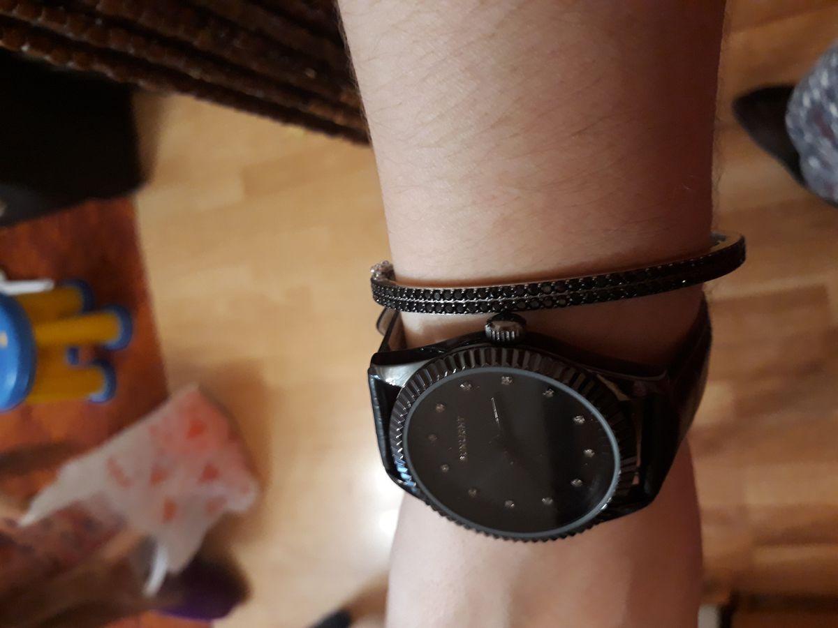 Часы, очень довольна