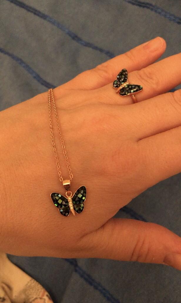 Шейное украшение - великолепная бабочка!