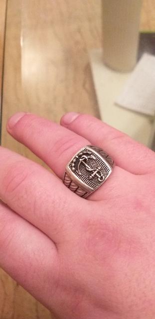Очень долго искал себе перстень по душе то размер не тот то стиль не нравит