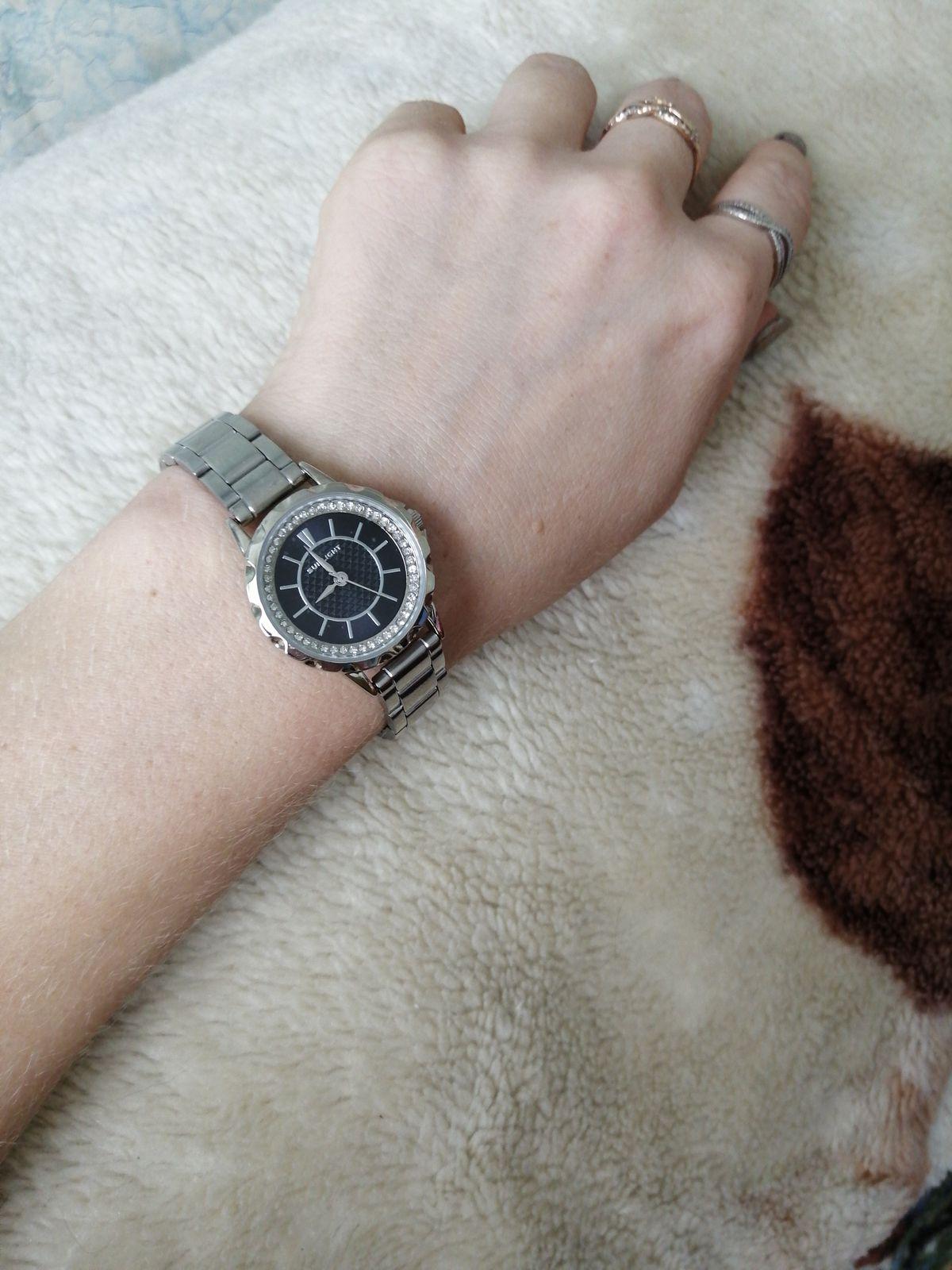 Часы на руку женские