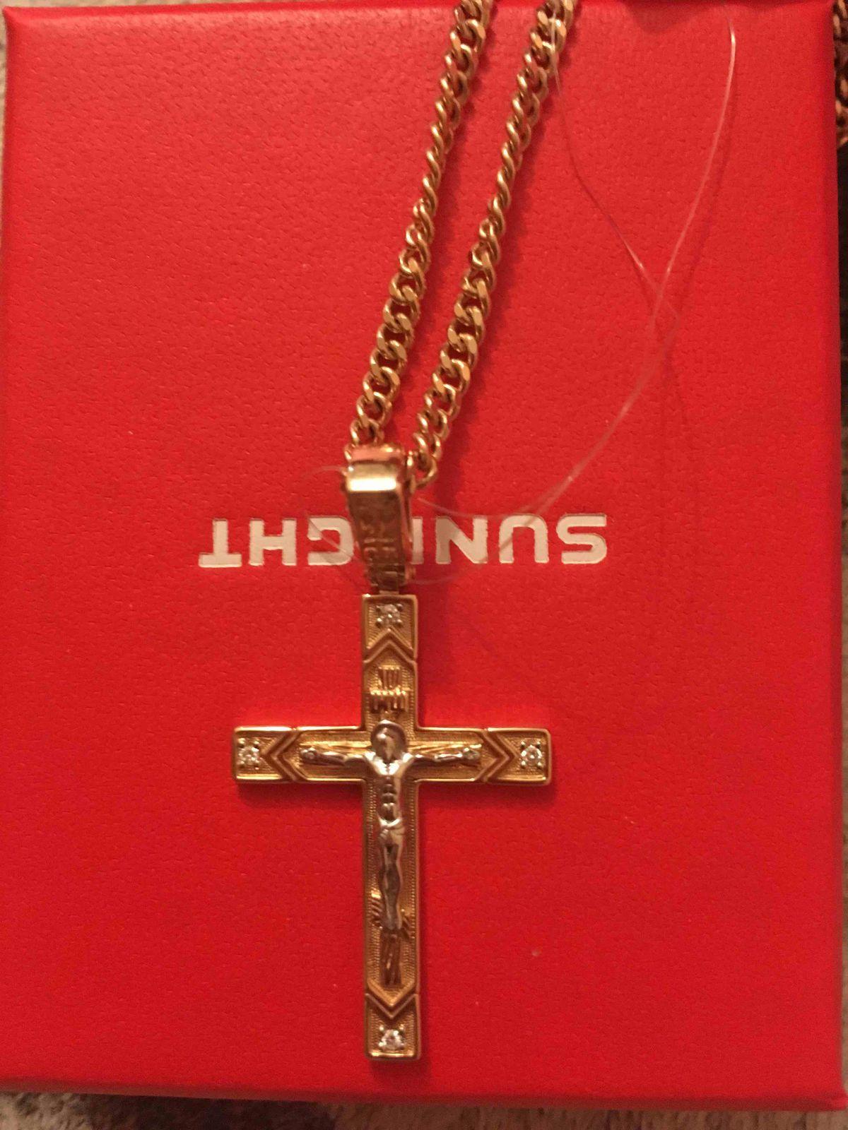 Золотой крестик с брильянтом