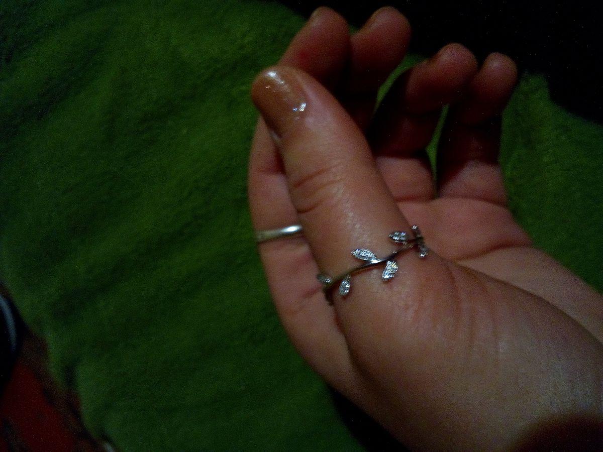 Очень нежное и красивое колечко!)))