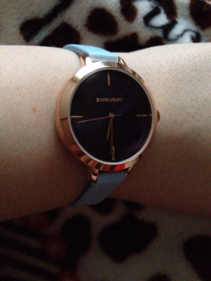 Красивые, изящные часы…