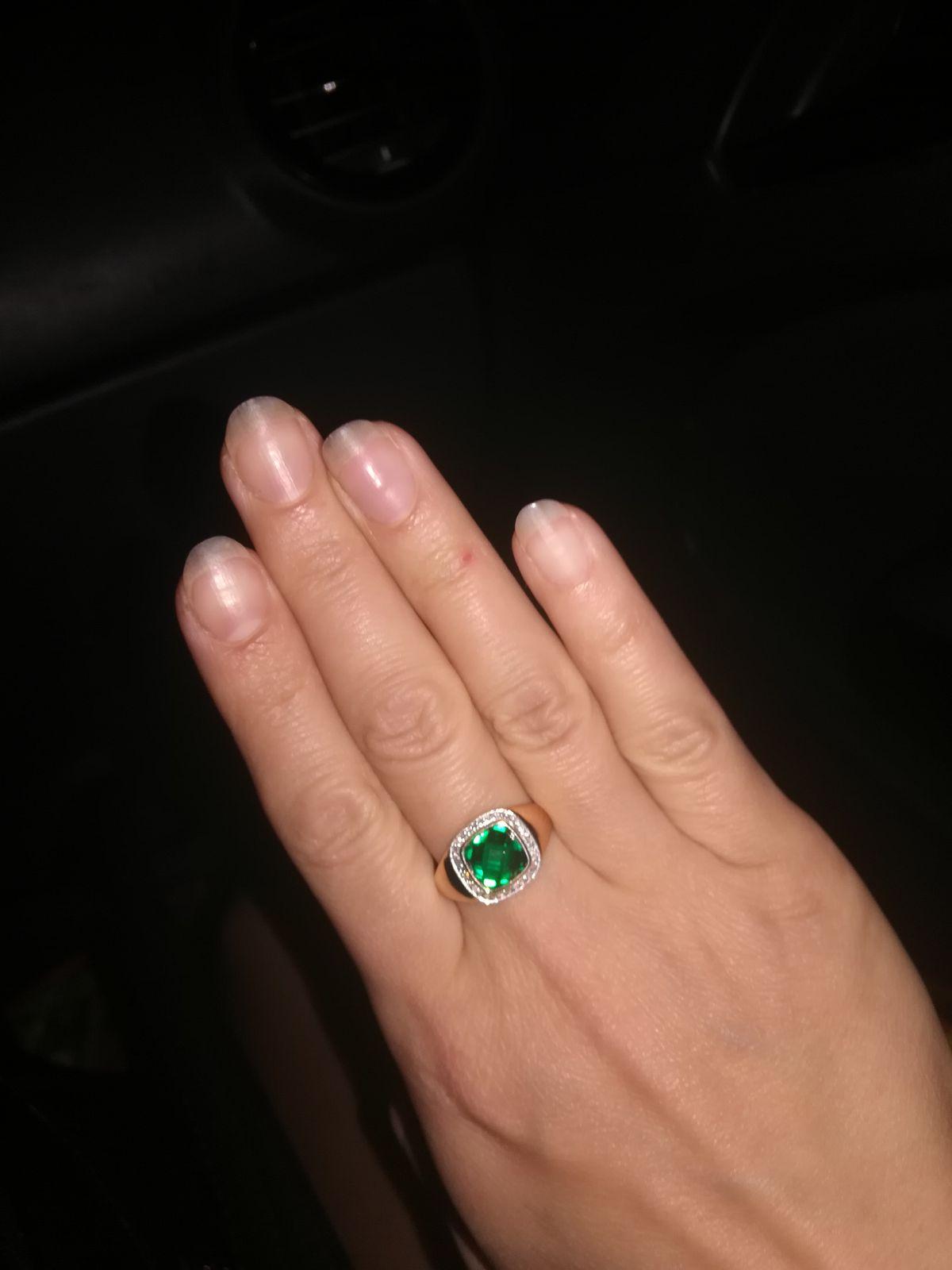 Очень богато смотрится кольцо
