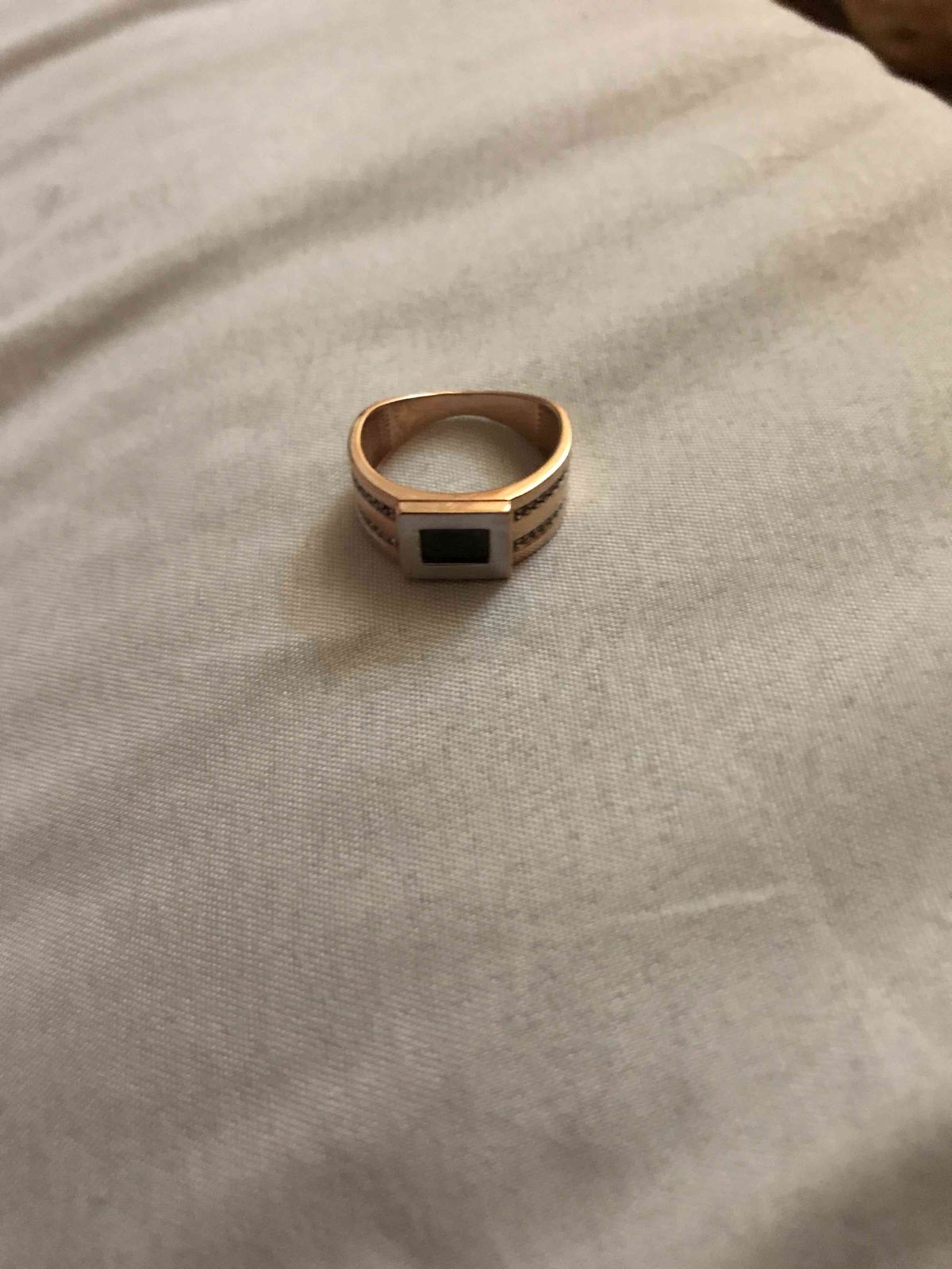 Великолепное кольцо купленное в магазине  Sunlight,приходите не пожалеете