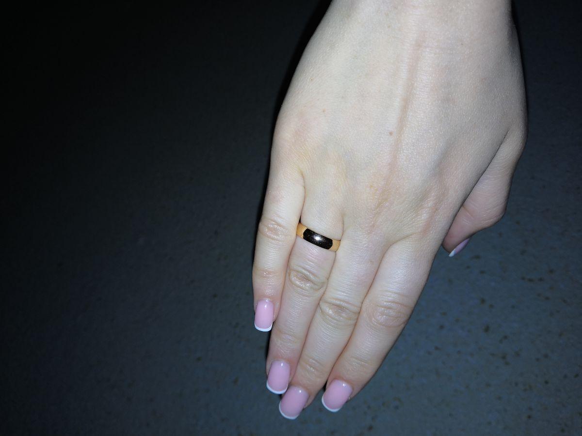 Отличное, классическое, обручальное кольцо