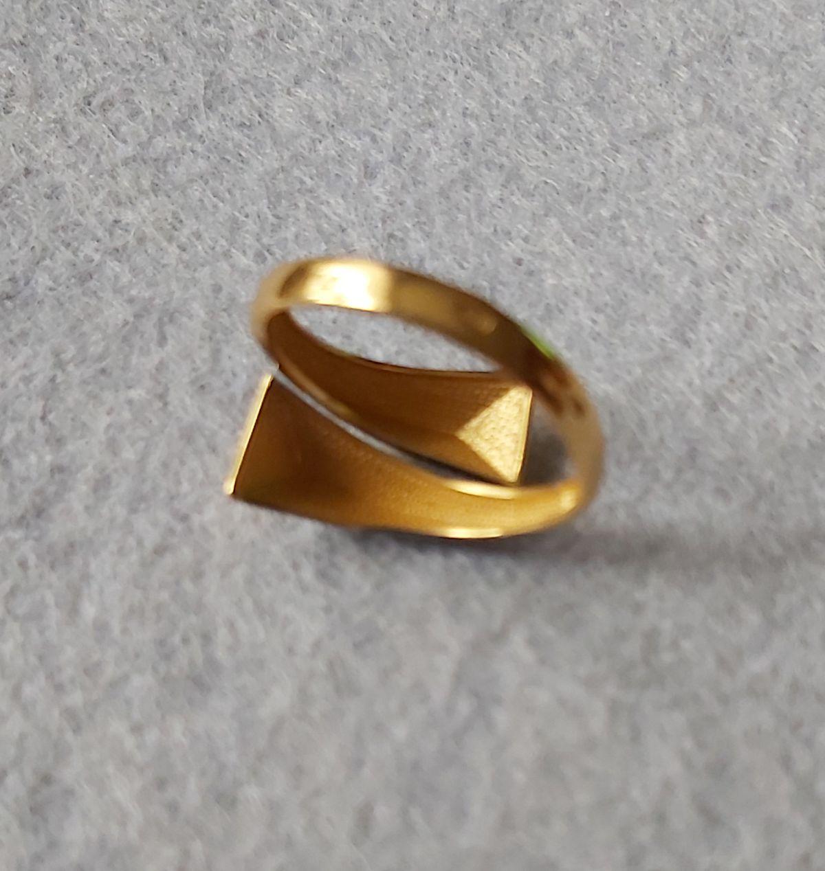 Парное кольцо к сережкам