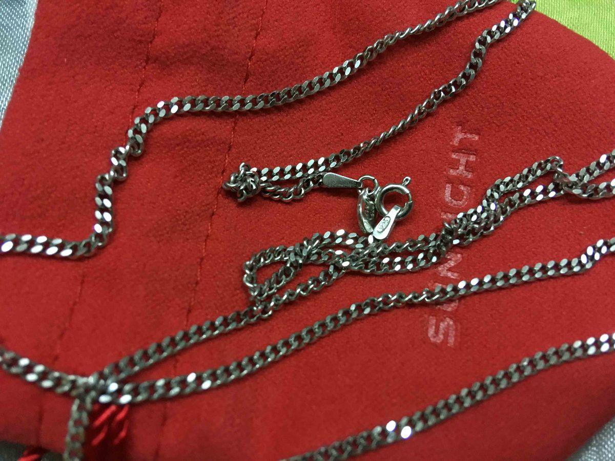 Прекрасная серебрянная цепочка