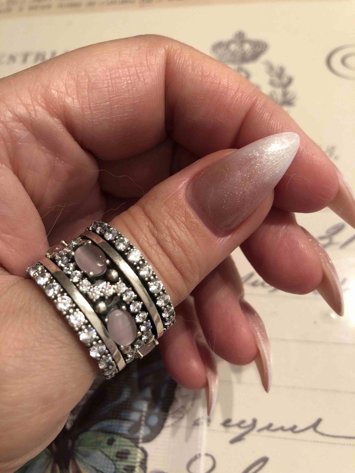 Крупное кольцо с розовым кошачьим глазом