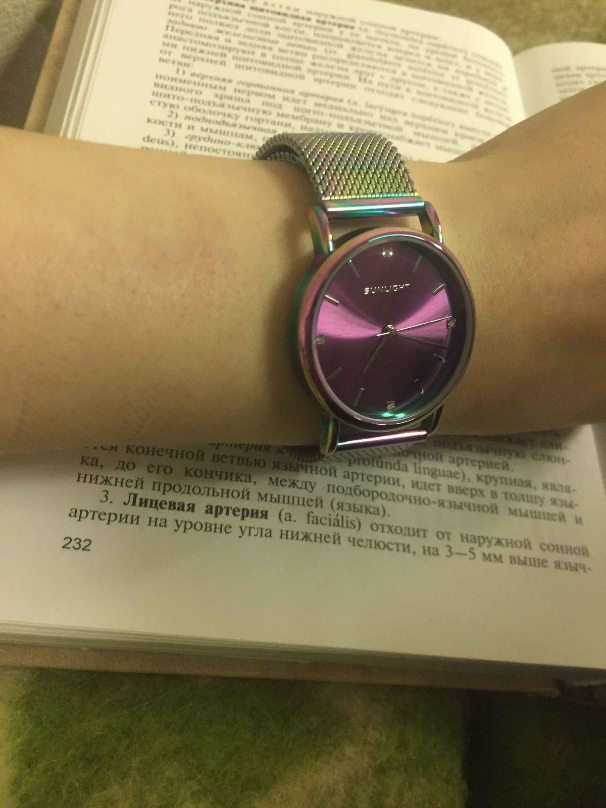 Очень крутые часы, купила себе и ни капли не пожалела!