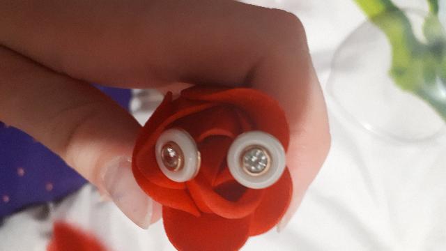 Я купила внучке подарок серьги ,она очень обрадовалась ей очень понравилось