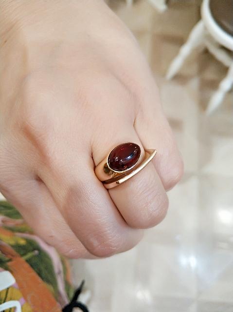 Кольцо с янтарём.