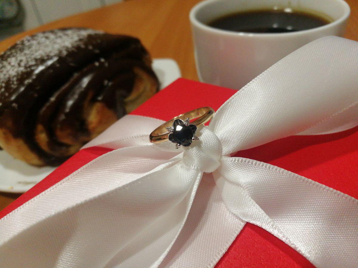Кольцо с сапфиром и бриллиантами 💍
