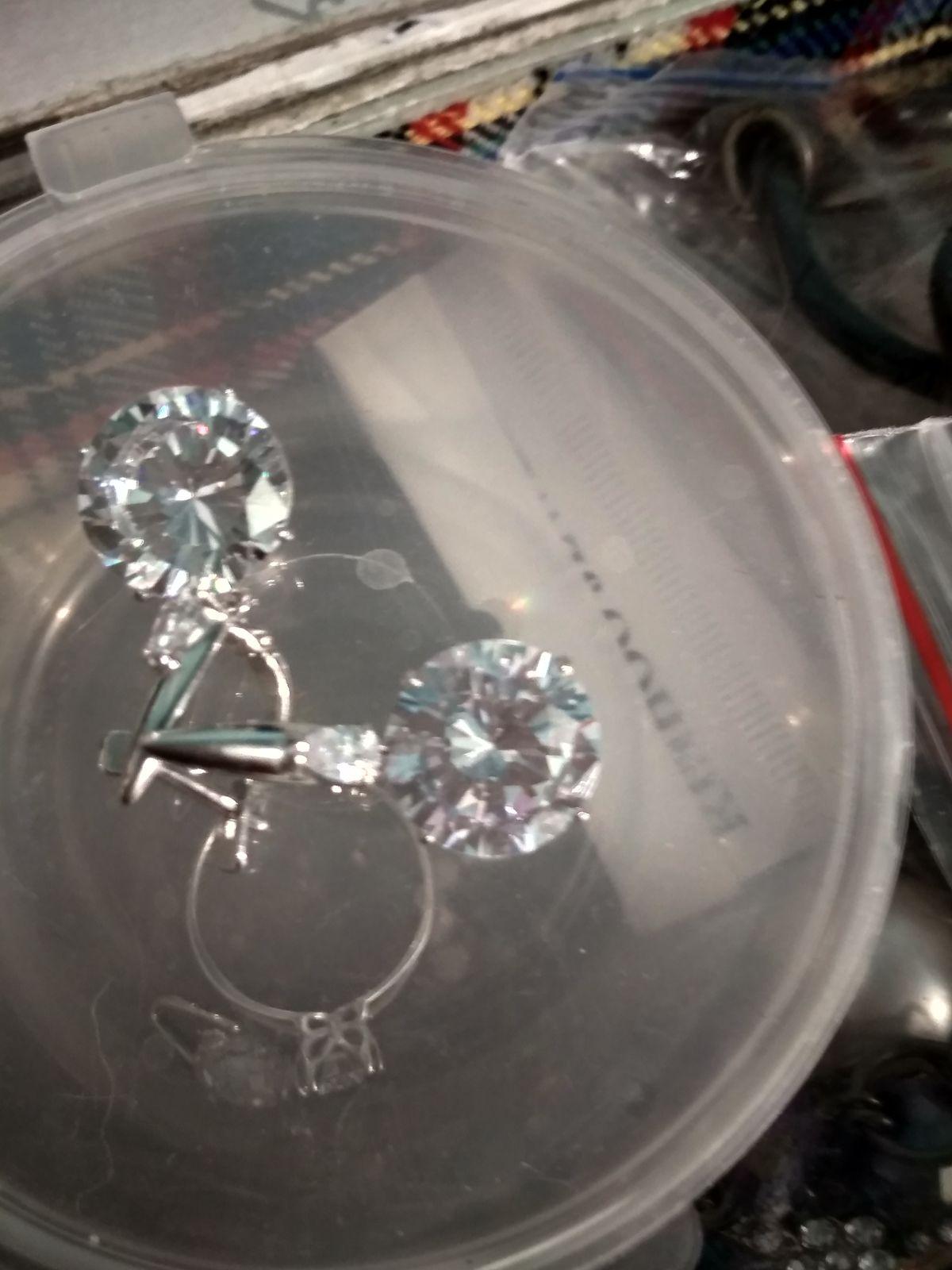 Отзыв на серебряные серьги с фианитами
