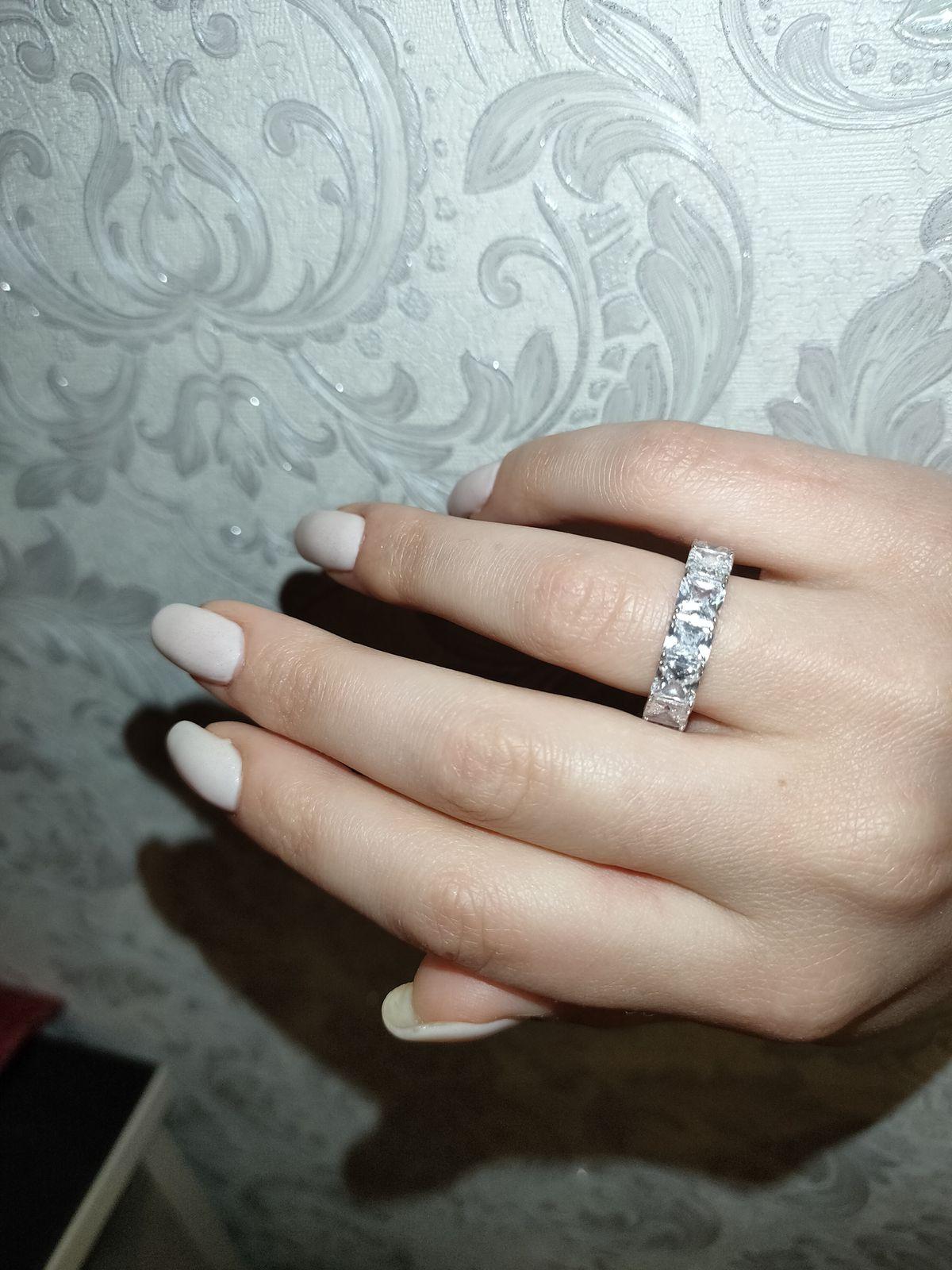 Заметное массивное кольцо