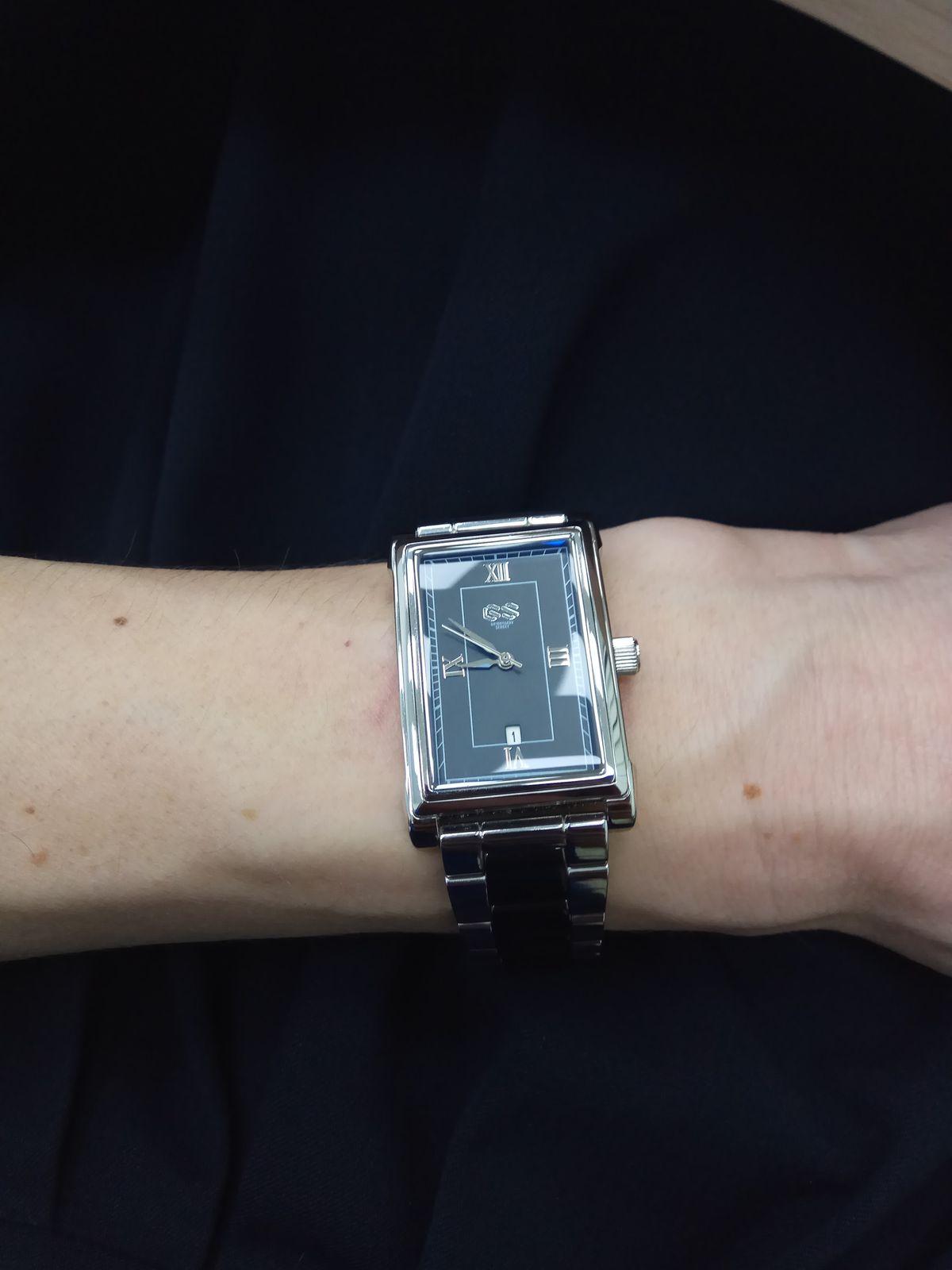 Нереально красивые, стильные часы