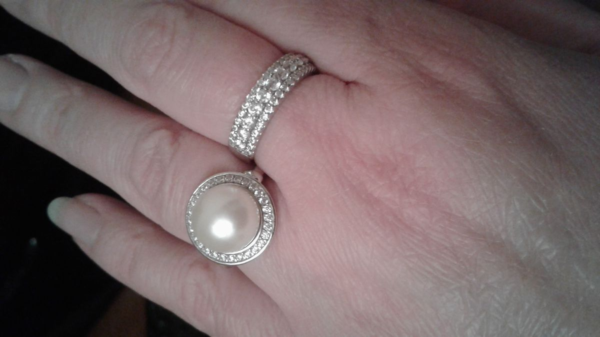 Кольцо серебряное с жемчугом и фианитами
