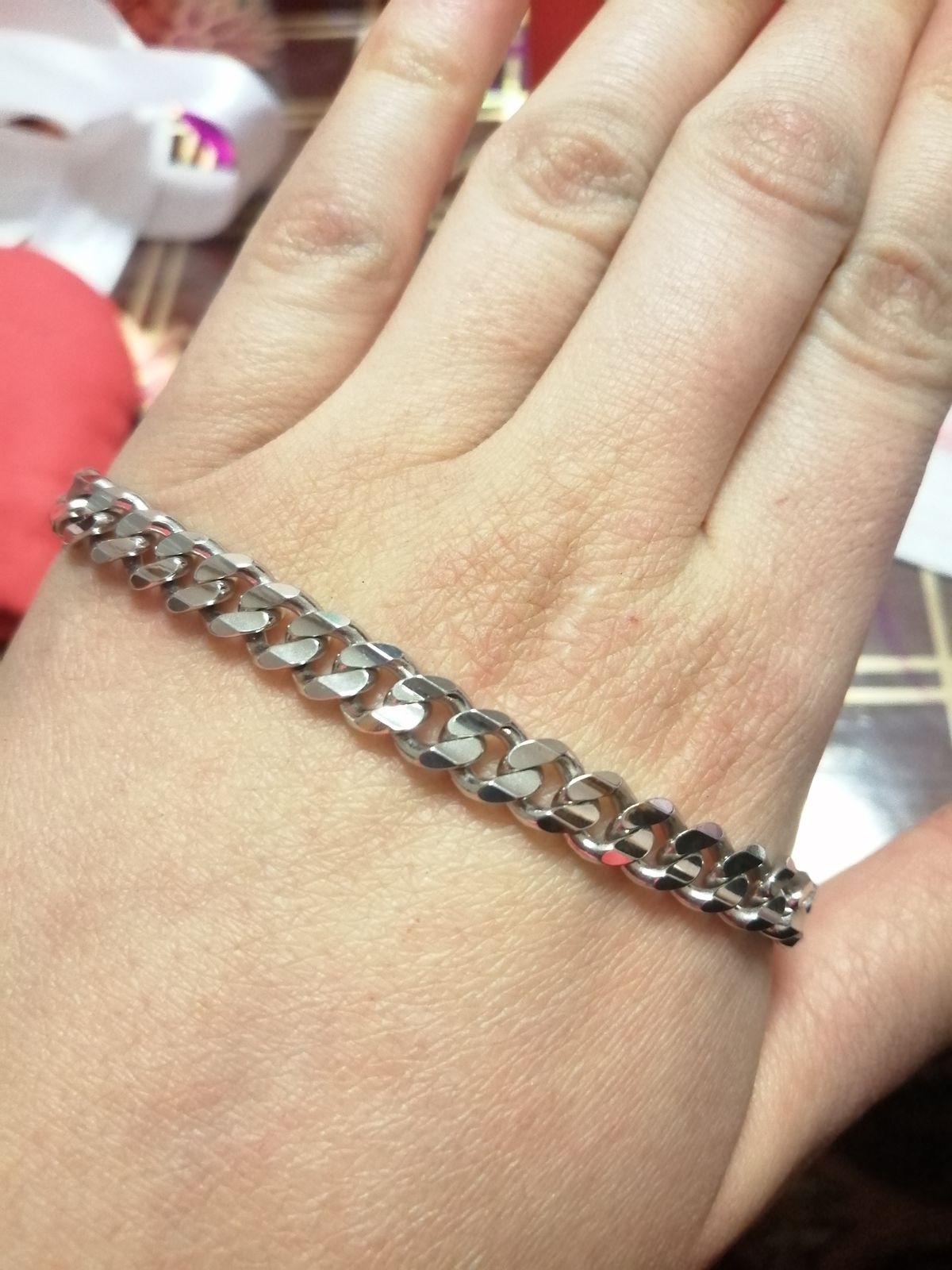 Купила браслет мужу