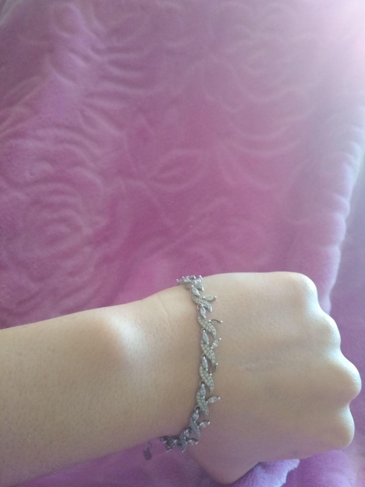 Красивый серебряный браслет