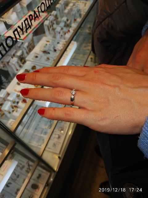 Красиво, смотрится милое кольцо