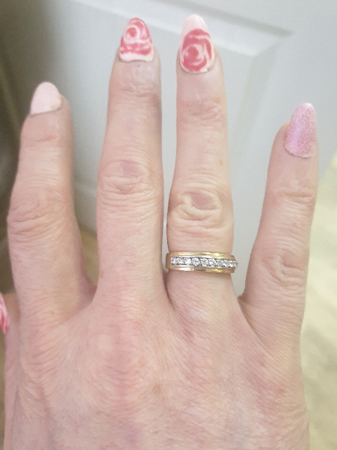 Очень красивое кольцо. Просто чудо!