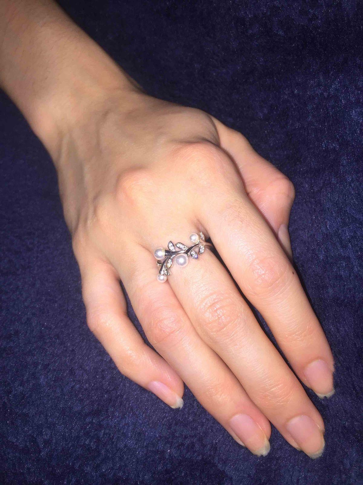 Серебряное кольцо с фианитом и жемчугом!