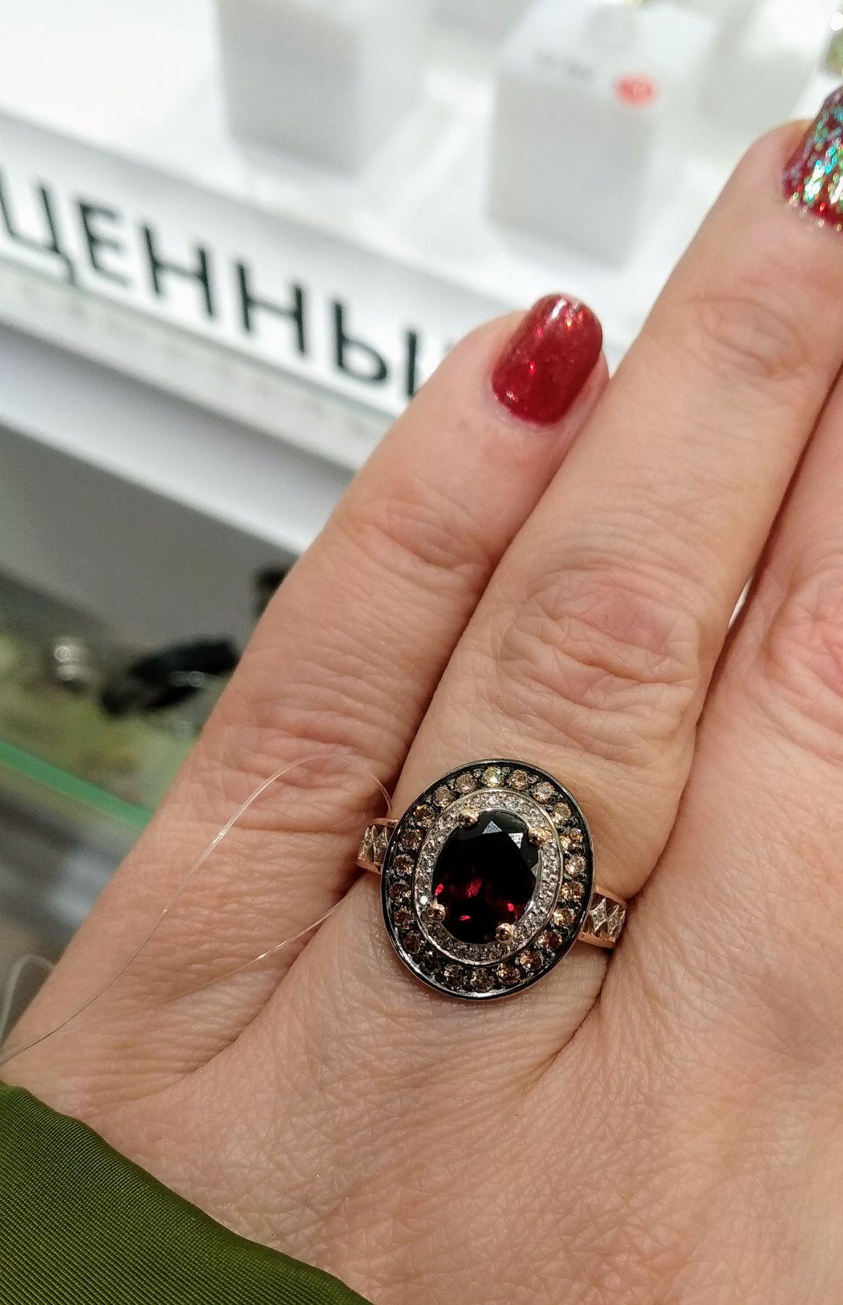 Королевское кольцо с гранатом!