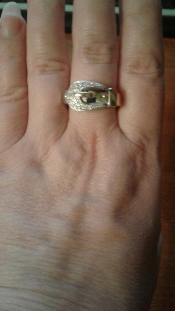 Кольцо в виде ремешка - классный дизайн