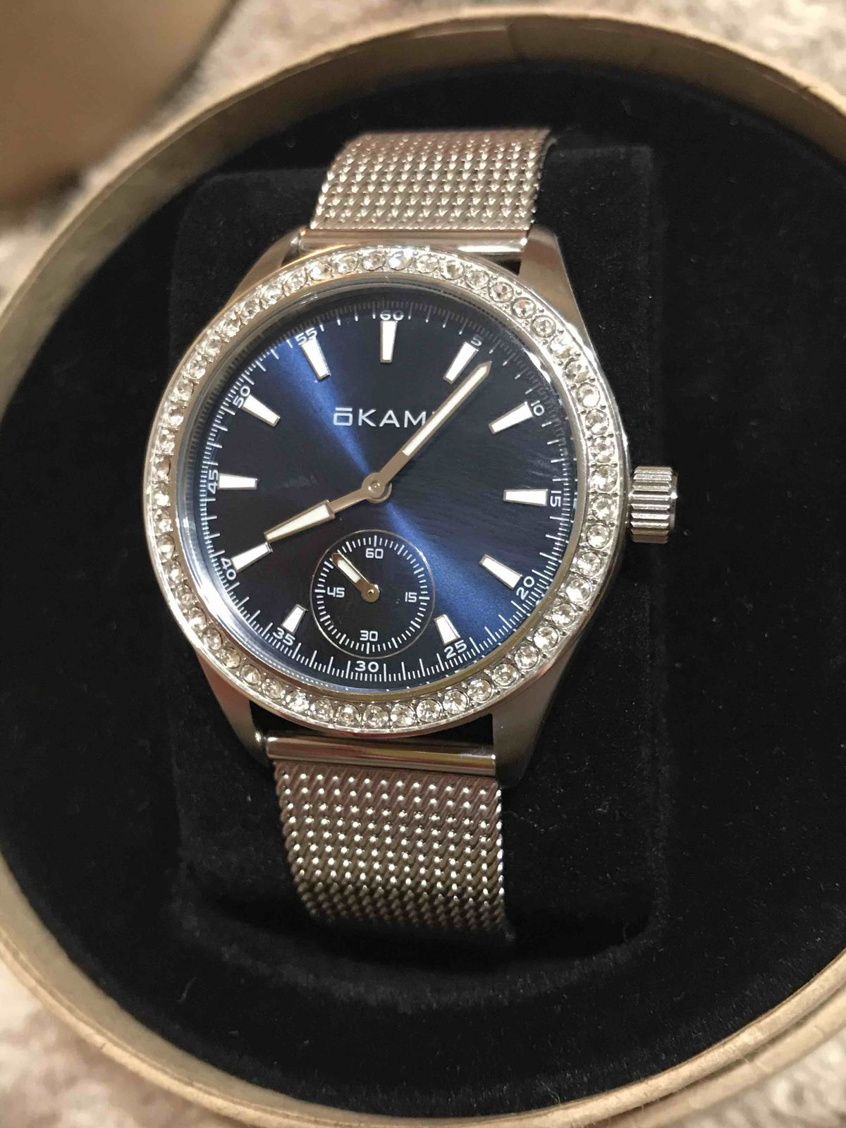 Красивые, кварцевые часы