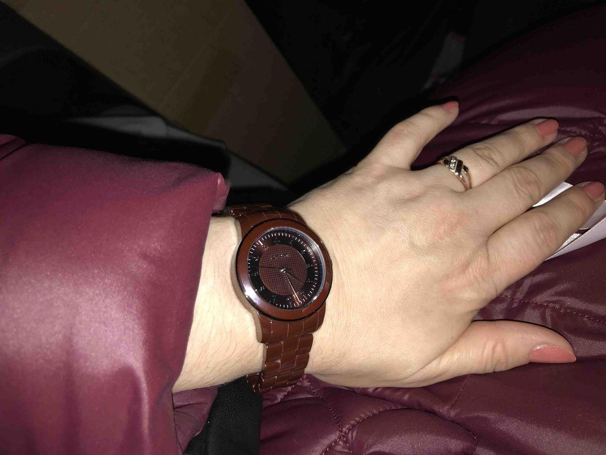 Кварцевые ,керамические часы