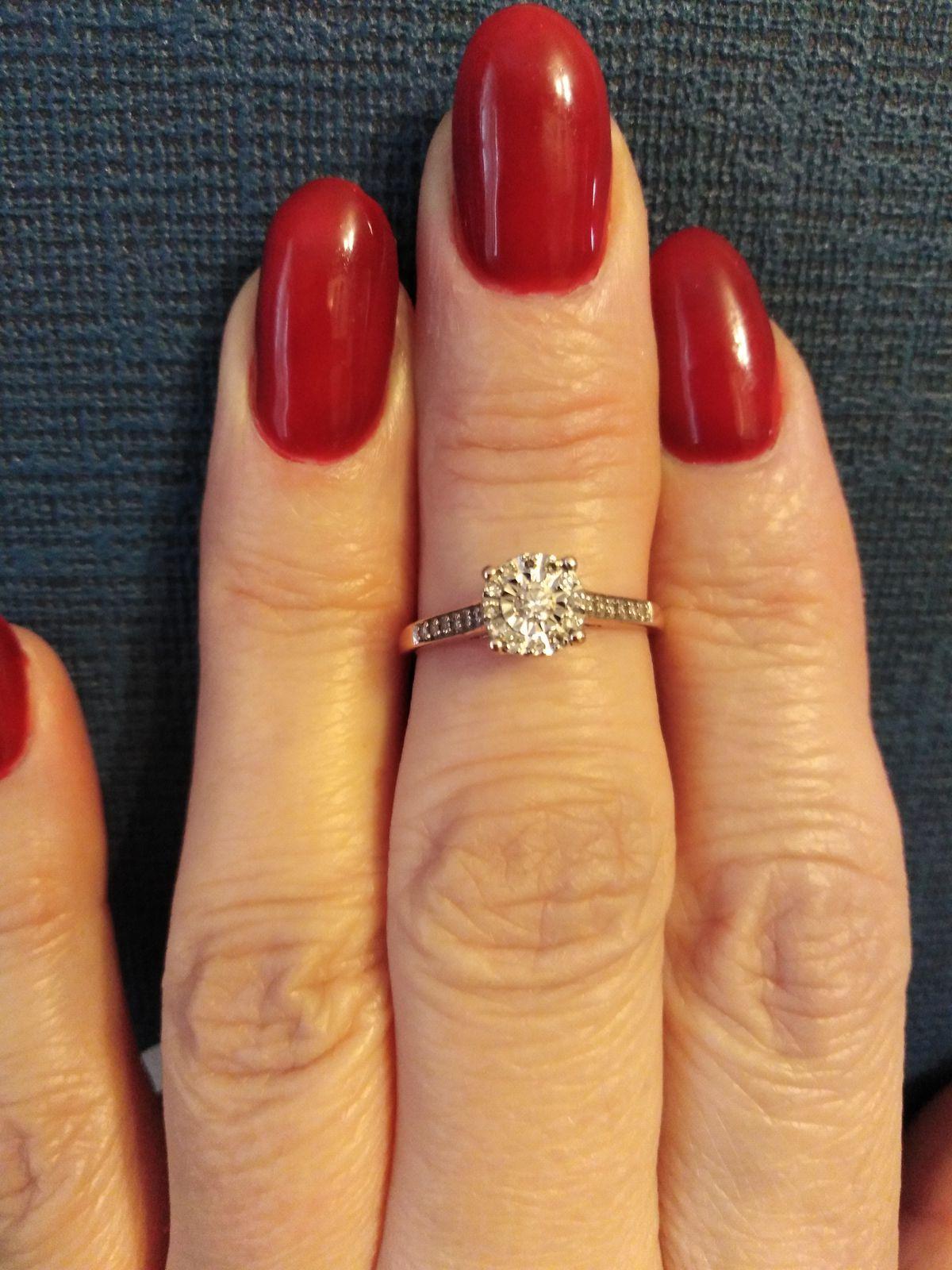 Великолепное кольцо с бриллиантами!