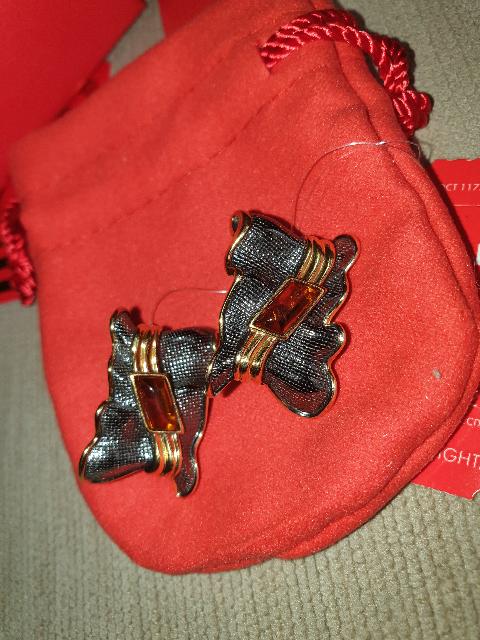 Серебрянные серьги с янтарём
