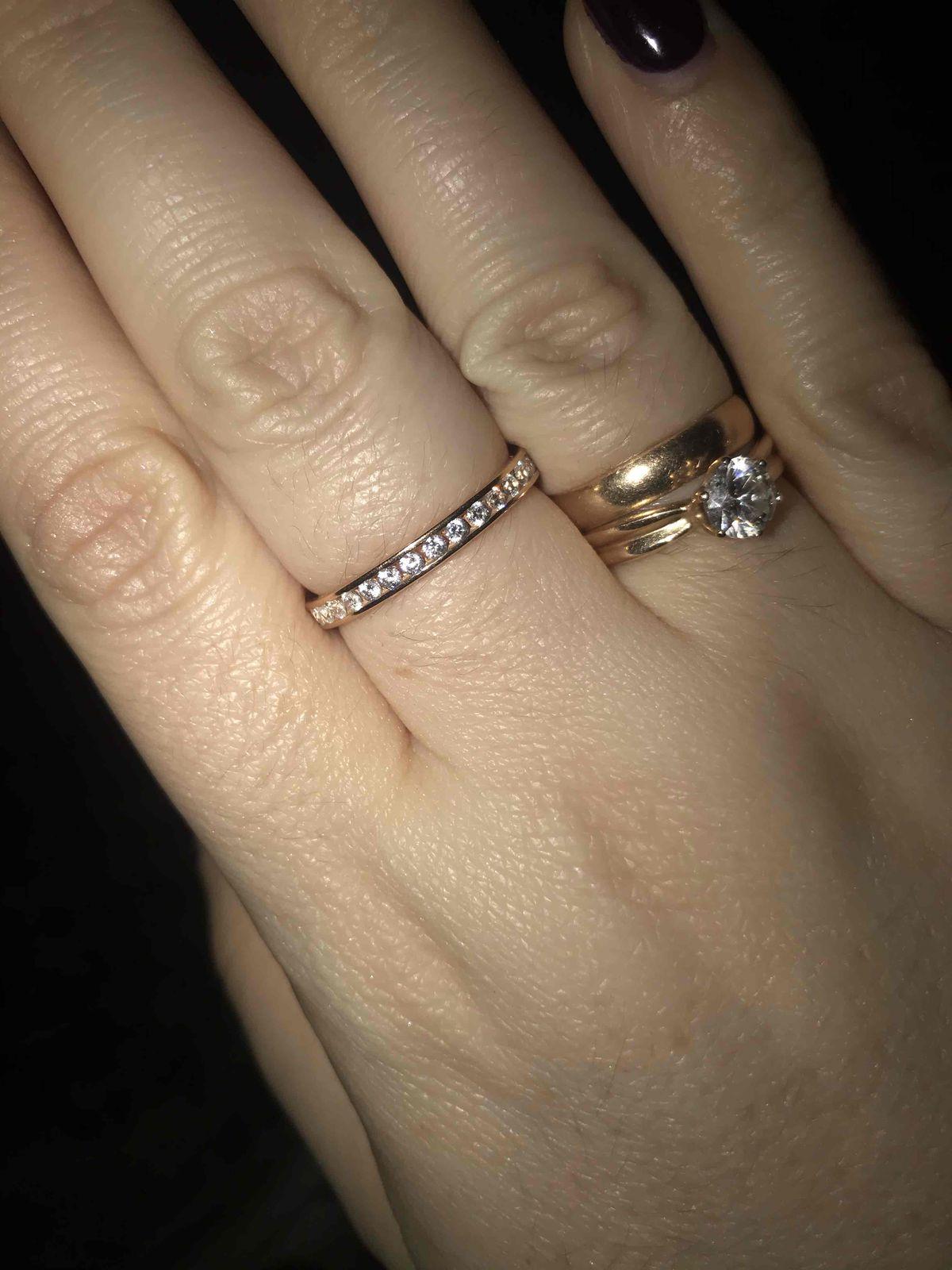 Очень красивое кольцо, утонченное, не громоздкое