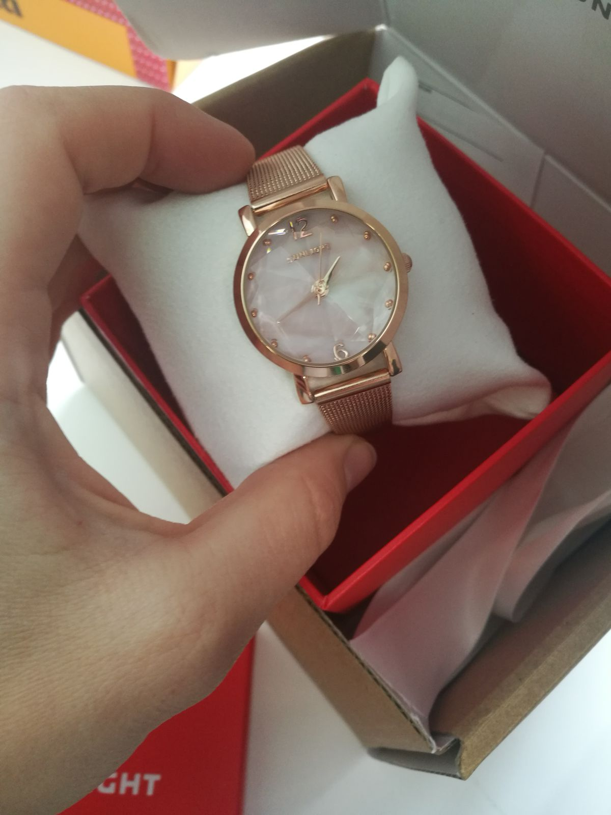 Часы заказала в подарок для дочери