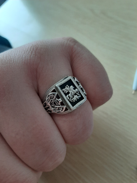 Купил кольцо , красиво смотрится