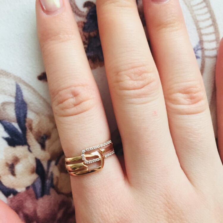 Золотое кольцо с фианитами💍