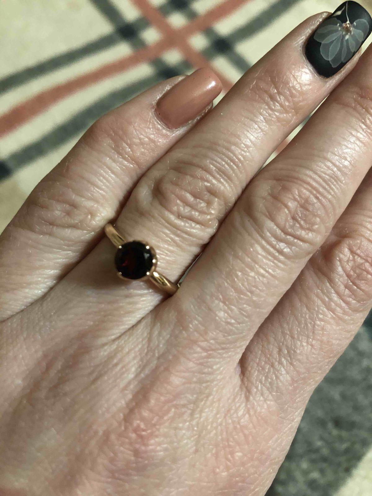 Аккуратное, нежное кольцо.