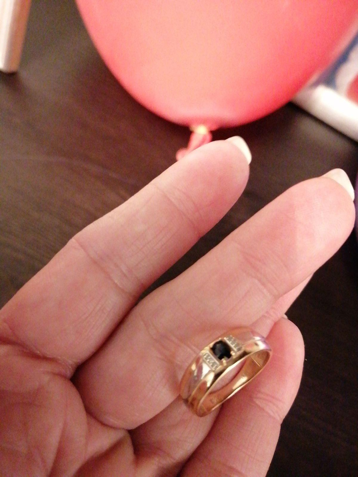 Кольцо с сапфтром