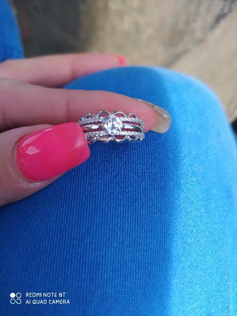 Серебрянные кольцо с фианитами