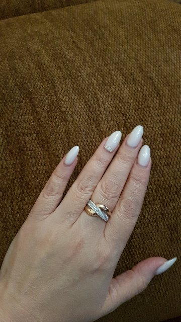 Золотое кольцо с фианитами