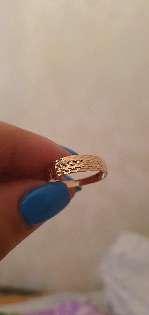 Прекрасное аккуратное кольцо