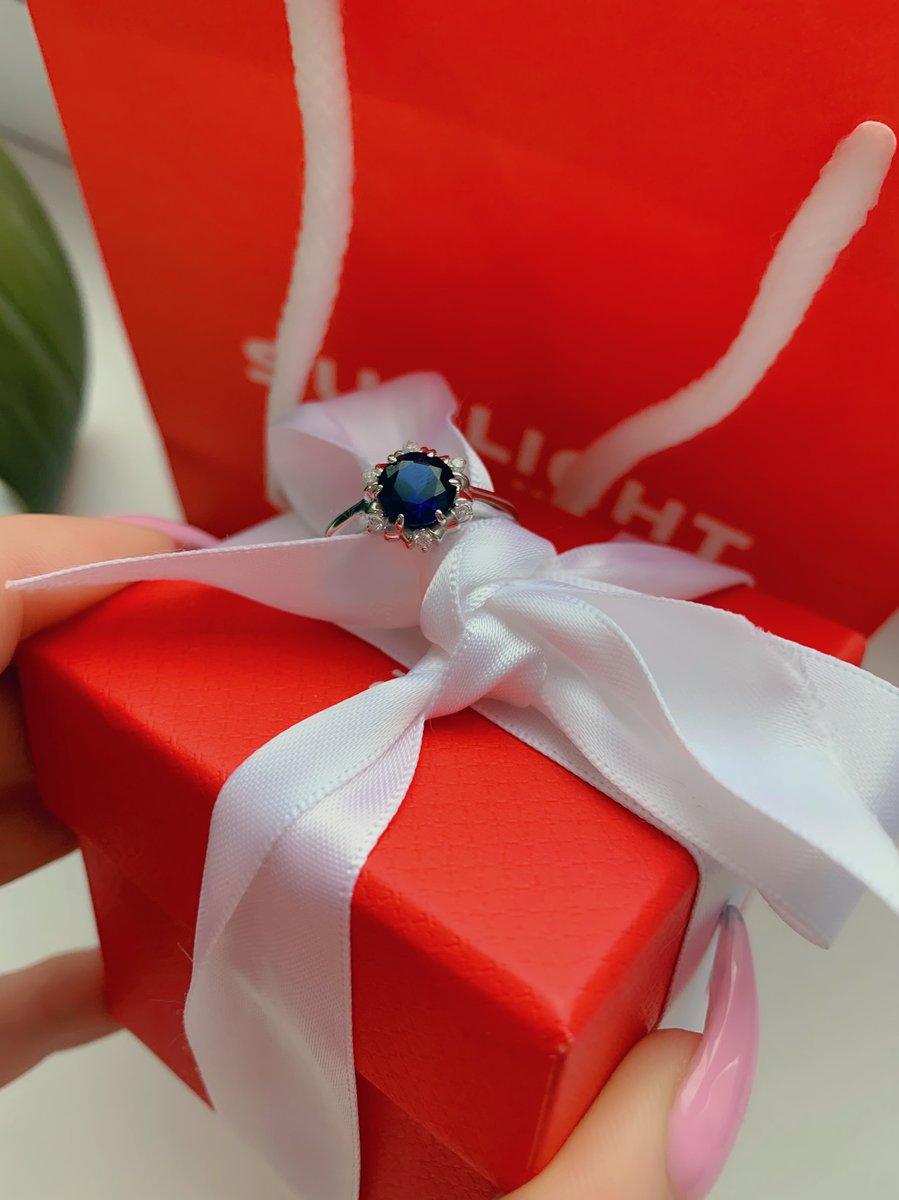 Отличное кольцо с синим сапфиром