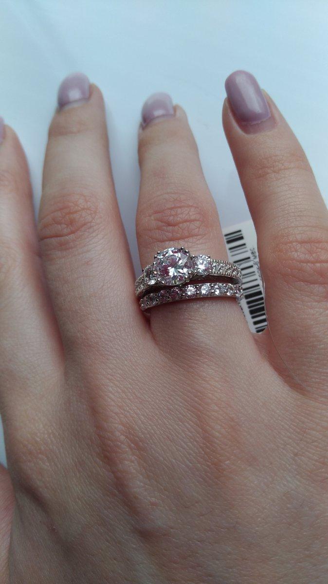 Прекрасное кольцо из серебра
