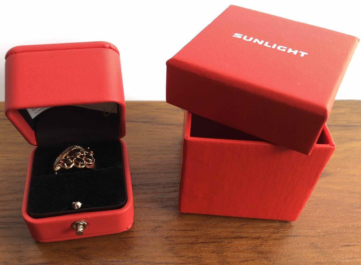 Изумительное кольцо с гранатом!