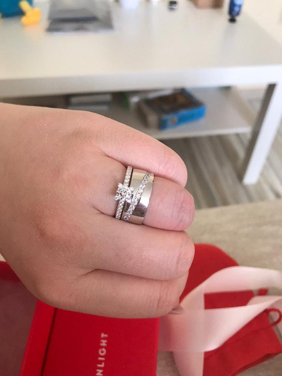 Серебренное кольцо с фианитом