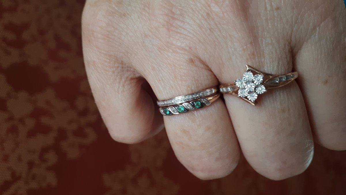 Кольцо с брилиантами.